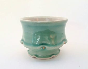Seagreen Teabowl with Gold Luster