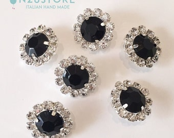 Elegant button black strass. Ideal for dresses, fashion accessories and handcrafts.