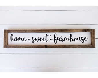 Home sweet farmhouse sign // home sweet home // farmhouse wood sign / rustic home decor // rustic wood signs // housewarming