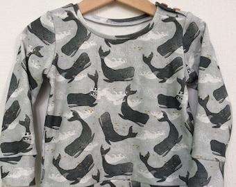 Baby organic sweatshirt in whale print