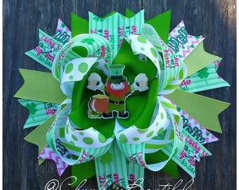 Lucky me I'm a big sister to be Saint Patrick's big sister to Boutique hair bow pink green bow