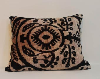 İkat Velvet Pillow Cover, 14.5'' x 18'' , Decorative Pillow, Handmade Silk Pillow, İkat Lumbar Pillow,  Shipping with Fedex 1-3 days