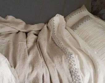 Pure linen bedding set with linen lace, stonewashed medium heavy linen duvet cover and pillowcases, lace trimed Queen, King linen bedding