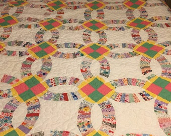 Vintage Feed Sack Wedding Ring scalloped Quilt Top newly Quilted