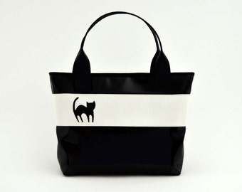 Black Big Bag/purse/vegan//handmade//made in Italy//cruelty free//drawing Happy Cat hand carved and stitched artfully