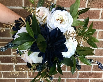 Navy and Gold Bouquet