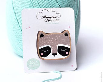 PIN * Adorable raccoon * / Racoon / pins / FSC wood / ecological / jewelry / cute / gift / girl