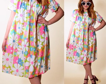 Authentic vintage 1960's super groovy hippie floral Twiggy inspired swing dress women's size small / medium