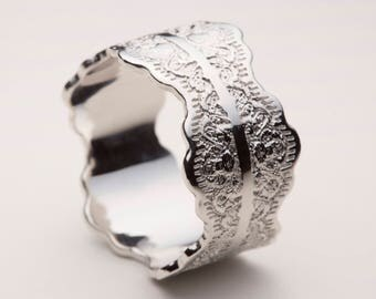 Platinum mobius mens wedding band mobius wedding ring in platinum wedding band platinum wedding ring wedding band platinum platinum lace ring junglespirit Gallery