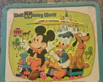 Vintage 1970s Walt Disney Metal Lunchbox