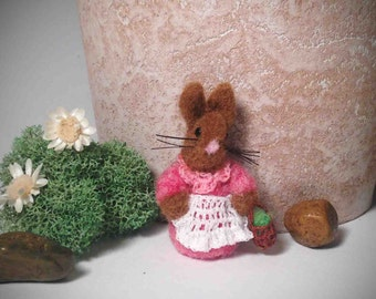 Needle Felted Micro Bunny-Miniature Bunny-Tiny Bunny-Dollhouse Bunny-Easter Decoration-Easter Collectible-Mini Easter Bunny