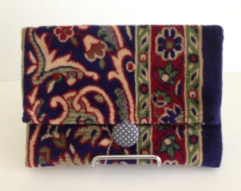 CLEARANCE SALE - 20% DISCOUNT - Quirky Clutch - large