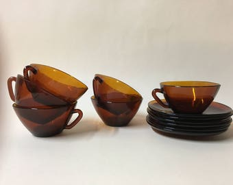 Stylish set of 6 vintage brown glass tea cups and saucers 1960s
