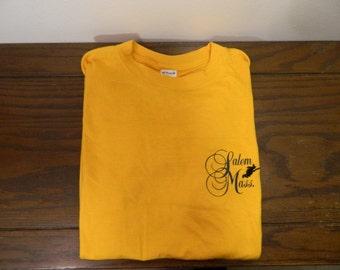 Vintage Salem Massachusetts Embroidered Witch T-shirt Medium Large