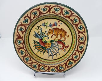 Large dish with zoomorphic decor, Italian ceramic diameter: 27 cm