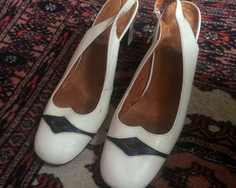 Vintage 1970s White and Navy Blue Leather Pumps Sandals Heeled Shoes - UK 4, EU 37, US 6 1/2