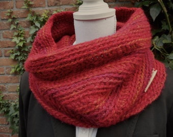 Warm Red Cowl