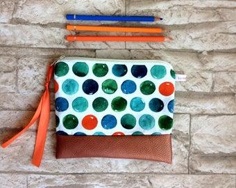 Pencil case / cosmetics bag points