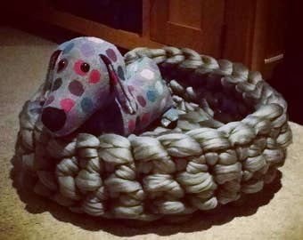 Chunky extreme knit pet bed