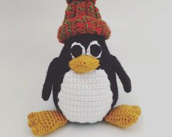 Amigurumi Penguin with bobble beanie
