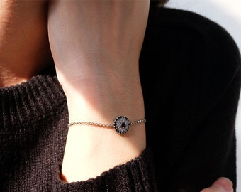 round evil eye bracelet, evil eye bracelet, dainty bracelet, hamsa bracelet, evil eye jewelry, evil eye, protection bracelet, evil eyes