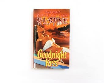 R. L. Stine's FEAR STREET Thriller for Young Adults . Goodnight Kiss Chapter Book . Goosebumps Spin Off . Sexy Mystery . 1990s 1992 90s