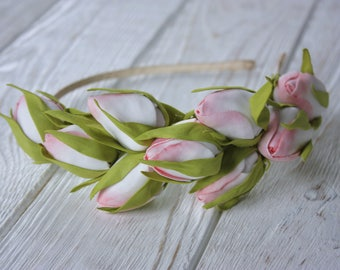 Flower hair wreaths with pink roses buds