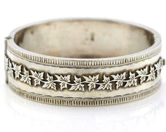 Victorian Aesthetic Silver Cuff Bangle - Circa 1885