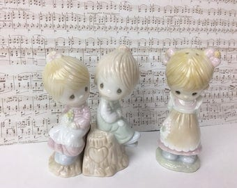 3 Vintage Precious Moments salt and pepper shakers, Precious Moments Shakers, Collectable Precious Moments figurines, novelty shakers