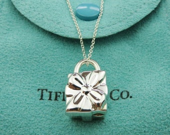 Authentic TIFFANY & CO Sterling Silver Gift Box Padlock Pendant Necklace