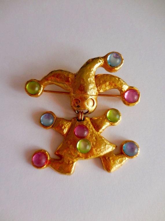 Vintage interesting joker shape large size brooch, gold plated with muti-tone rhinestones