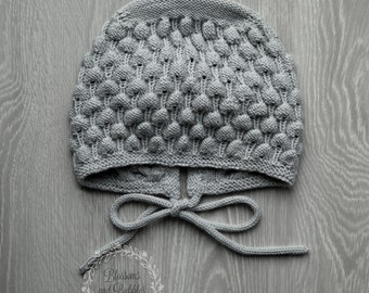 SALE! 20% OFF  Girls Hand Knitted Bonnet. 3-4 years. Classic bonnet. Girls hat. Light Grey. Ready to ship.