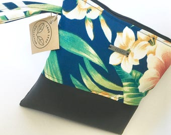 Aloha Travel Pouch // Cosmetic Bag // Clutch // Hawaiian Paradise Print // True Leaf Collection // Clair-Ashley