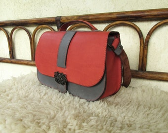 Handmade Leather Satchel / Leather Shoulder Bag / Leather Saddle Bag / Hand Made Leather Purse