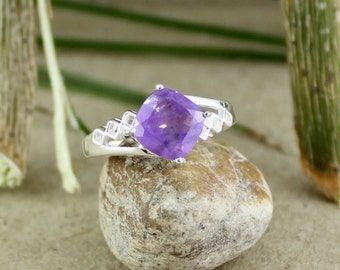 amethyst solitaire ring, silver amethyst gemstone, 925 silver amethyst, cushion amethyst jewellery, prong setting, engagement amethyst ring