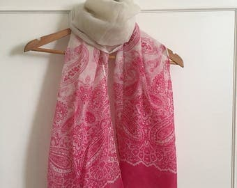 Beautiful bright pink and cream paisley print scarf