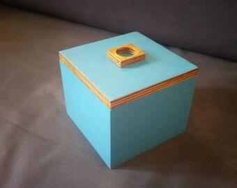 Plywood keepsake box