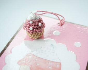 Bookmark of Strawberry cream muffin
