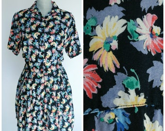 Vintage 90s Floral Romper | Floral Sundress Mini Romper with Pockets |  1990s Button up Full Skirt |  Size Medium to Large M to L