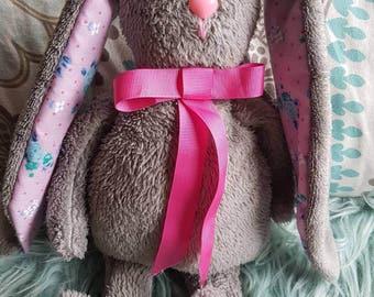 Simple plush bunny