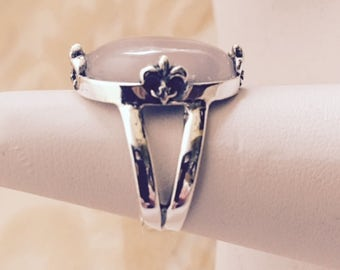 USA-FREE SHIPPING!!  Silver Fleur-De-Lis Rose Quartz Ring