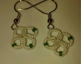 Hand tatted white with green beads earrings copper free