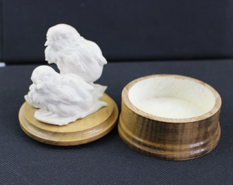 Vintage Wooden Trinket Box, Pair of White Bisque Robins on a Leaf, Jewellery Box,