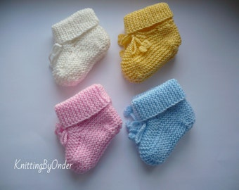 Hand knitted baby booties, Baby boys booties, Baby girls booties, Baby slippers, Baby boots, Baby shoes, Baby shower gift, Newborn booties