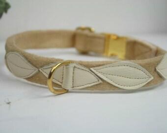 Dogcollar beige handfelted Naturseifen dog collar gold