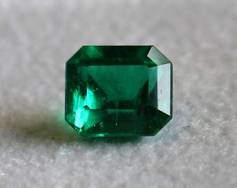 Natural Colombian emerald   vivid green certified FGAA-NCJV top quality  exclusive