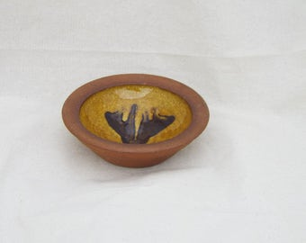 Shallow Dish With Tulip Like Detail - Pagan - witchcraft - wicca - offerings - vintage - decorative - gift