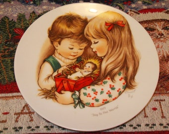 Joy To The World Christmas Plate 1977 Charlot Byj Goebel Vintage Plate Boy Girl Jesus in the Manger