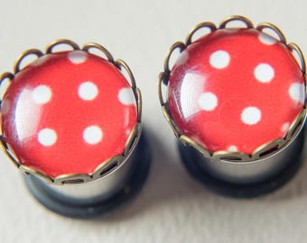 Gorgeous vintage polka dot ear plugs to dress your ear lobes pretty! 8mm - 0g, 10mm - 00g
