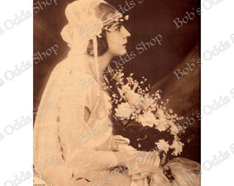 Vintage 1920 Bride with Veil and Flowers